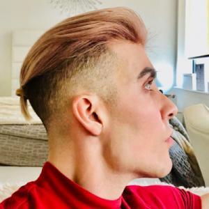 Profile picture for user Brandon Lori