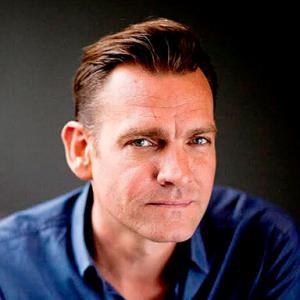 Profile picture for user Simon White